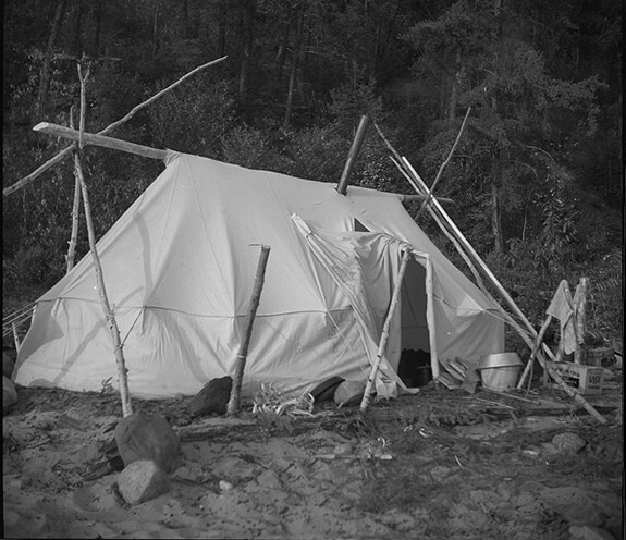 Picture of a prospector's tent used by two Innu families on their way north to their hunting grounds